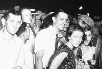 white people at Marion lynching